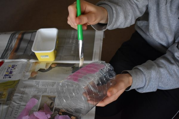 Glue and tissue paper
